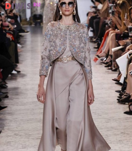 Модные женские комбинезоны весна-лето 2019 года