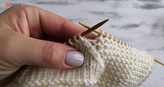 Как связать пинетки для новорожденного на 2 спицах