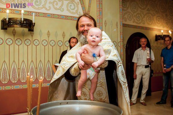Можно ли крестить ребенка в Рождественский пост