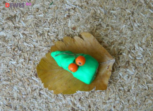 """Интересные поделки на тему """"осень"""" из природного материала в школу в 2019 году"""