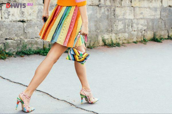 Новинки уличной моды 2020 года на сезон весна-лето для женщин